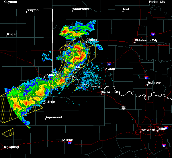 Radar Image for Severe Thunderstorms near Quanah, TX at 5/13/2020 8:25 PM CDT