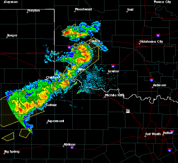 Radar Image for Severe Thunderstorms near Chillicothe, TX at 5/13/2020 8:33 PM CDT