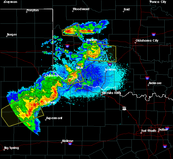 Radar Image for Severe Thunderstorms near Chillicothe, TX at 5/13/2020 9:05 PM CDT
