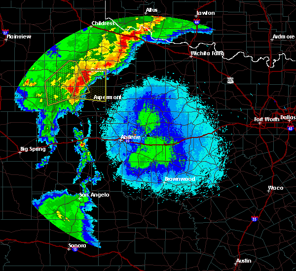 Radar Image for Severe Thunderstorms near Guthrie, TX at 5/13/2020 9:30 PM CDT