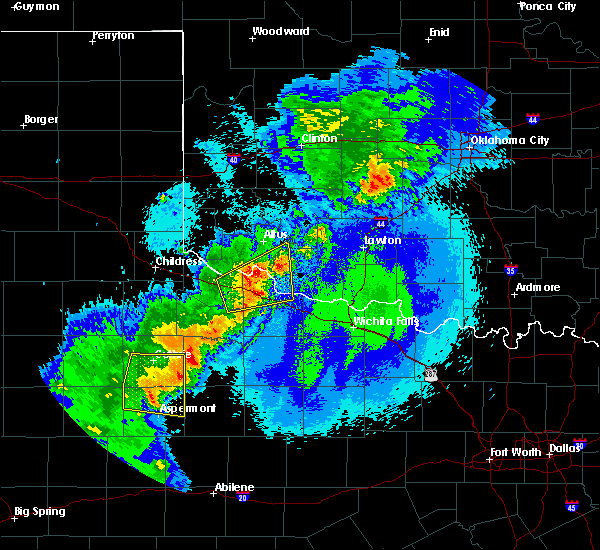 Radar Image for Severe Thunderstorms near Chillicothe, TX at 5/13/2020 10:09 PM CDT