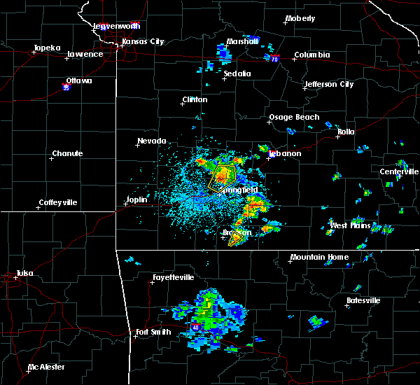 Radar Image for Severe Thunderstorms near Goodnight, MO at 5/14/2020 4:37 PM CDT