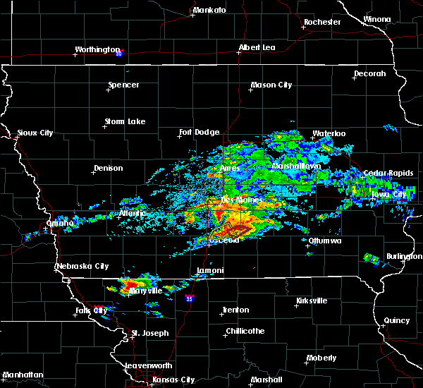 Radar Image for Severe Thunderstorms near Pella, IA at 5/14/2020 5:17 PM CDT