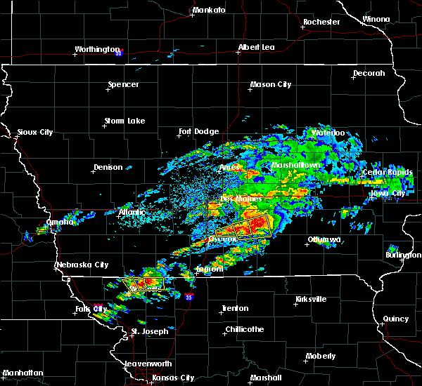 Radar Image for Severe Thunderstorms near Pella, IA at 5/14/2020 5:42 PM CDT