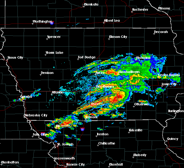 Radar Image for Severe Thunderstorms near Pella, IA at 5/14/2020 6:00 PM CDT