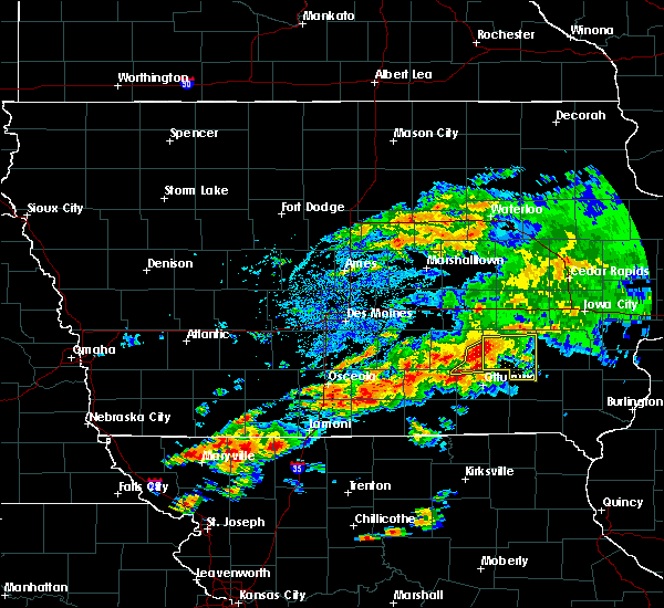 Radar Image for Severe Thunderstorms near Eddyville, IA at 5/14/2020 6:51 PM CDT