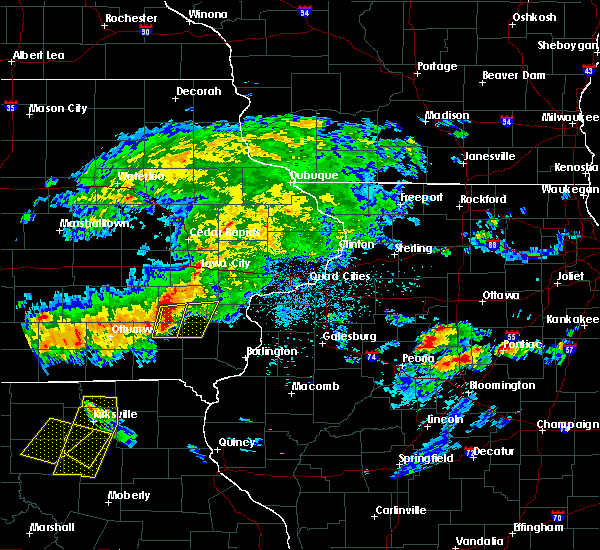 Radar Image for Severe Thunderstorms near Brighton, IA at 5/14/2020 7:54 PM CDT