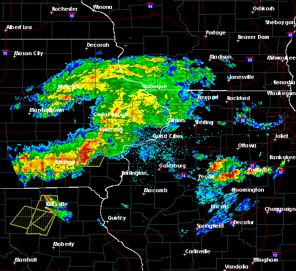 Radar Image for Severe Thunderstorms near Cotter, IA at 5/14/2020 8:02 PM CDT