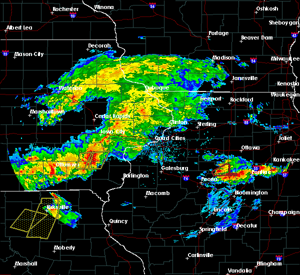 Radar Image for Severe Thunderstorms near Fairfield, IA at 5/14/2020 8:14 PM CDT