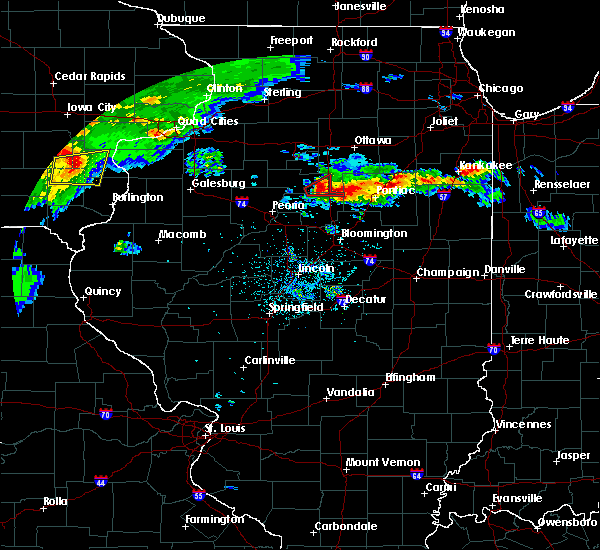 Radar Image for Severe Thunderstorms near Wenona, IL at 5/14/2020 8:28 PM CDT