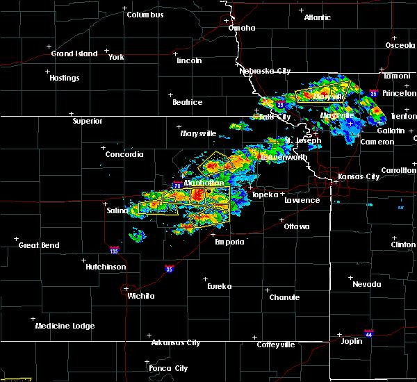 Radar Image for Severe Thunderstorms near White City, KS at 5/14/2020 8:35 PM CDT