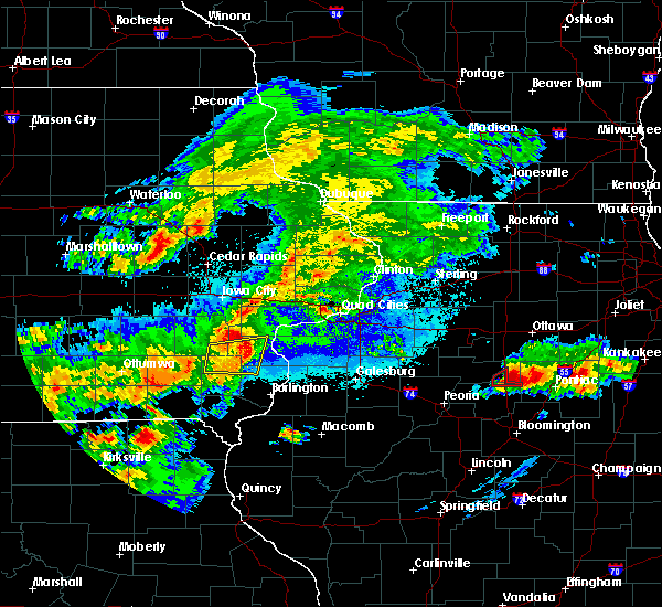 Radar Image for Severe Thunderstorms near Conesville, IA at 5/14/2020 8:39 PM CDT