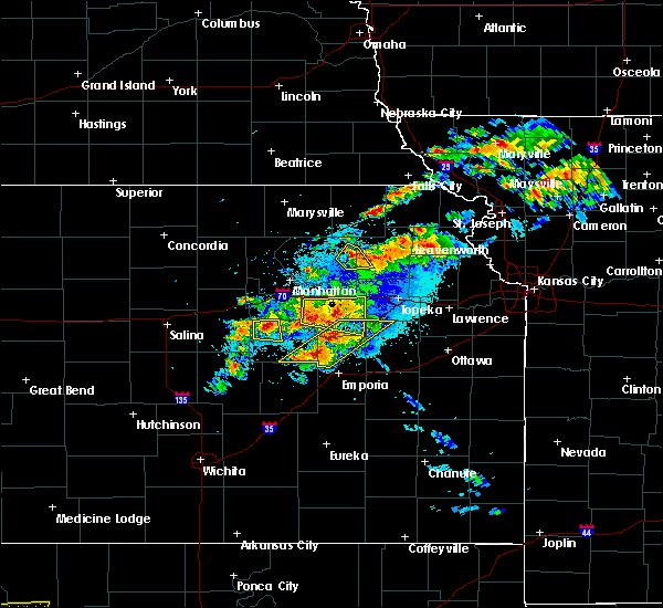 Radar Image for Severe Thunderstorms near Huron, KS at 5/14/2020 9:02 PM CDT