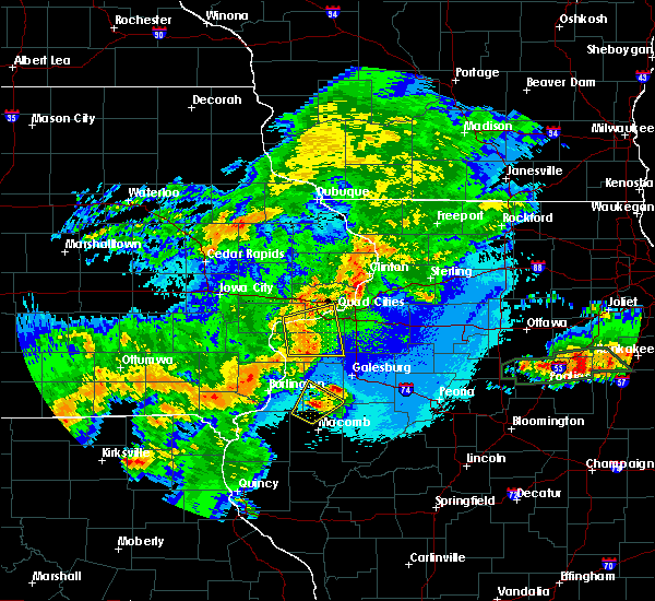 Radar Image for Severe Thunderstorms near Moline, IL at 5/14/2020 9:31 PM CDT