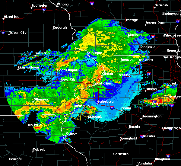 Radar Image for Severe Thunderstorms near Middletown, IA at 5/14/2020 9:37 PM CDT