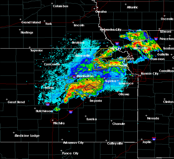 Radar Image for Severe Thunderstorms near Eskridge, KS at 5/14/2020 9:39 PM CDT