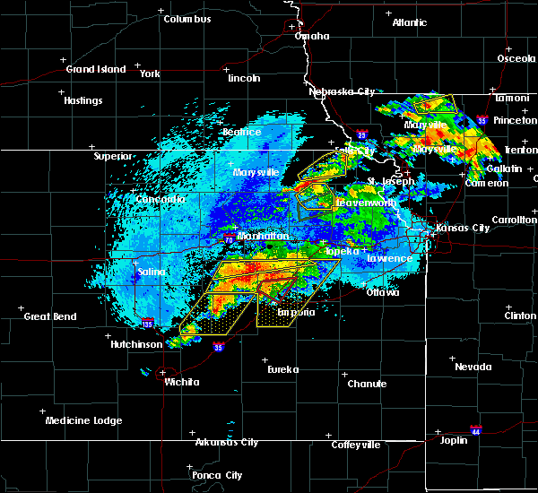 Radar Image for Severe Thunderstorms near Bushong, KS at 5/14/2020 9:48 PM CDT