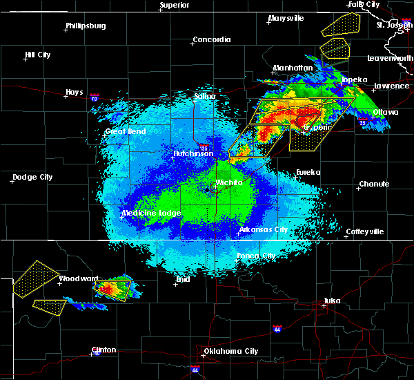 Radar Image for Severe Thunderstorms near Strong City, KS at 5/14/2020 9:54 PM CDT