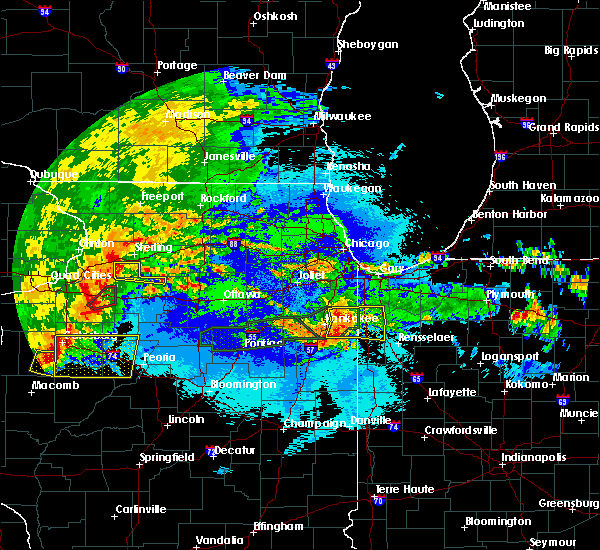 Radar Image for Severe Thunderstorms near Lake Village, IN at 5/14/2020 10:32 PM CDT