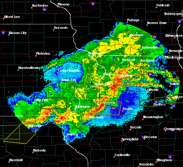 Radar Image for Severe Thunderstorms near Ohio, IL at 5/14/2020 10:43 PM CDT