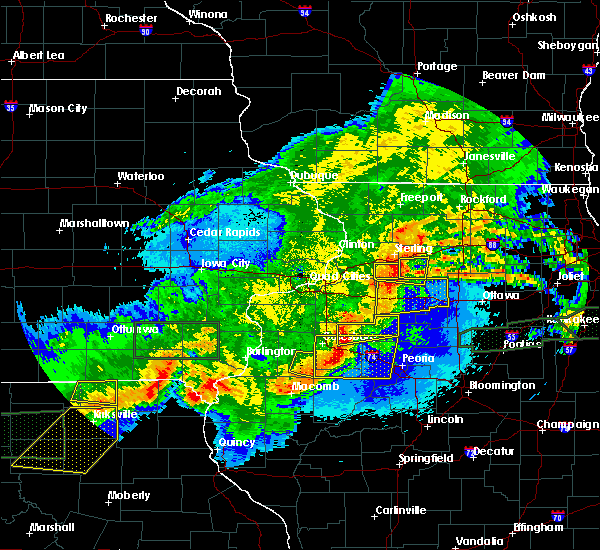 Radar Image for Severe Thunderstorms near Harmon, IL at 5/14/2020 10:52 PM CDT