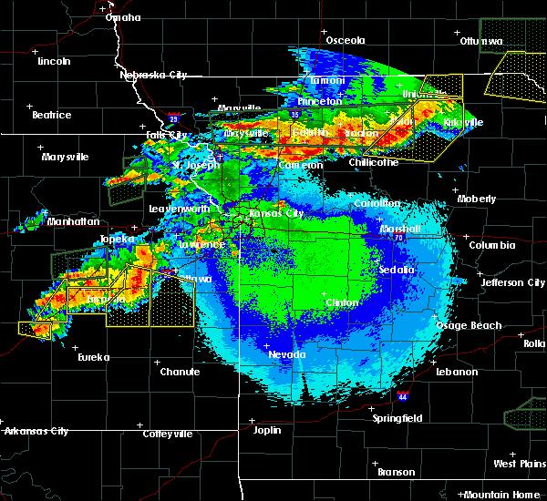 Radar Image for Severe Thunderstorms near Pomona, KS at 5/14/2020 10:52 PM CDT