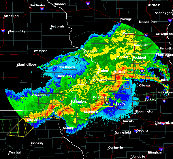 Radar Image for Severe Thunderstorms near Farmington, IA at 5/14/2020 11:02 PM CDT