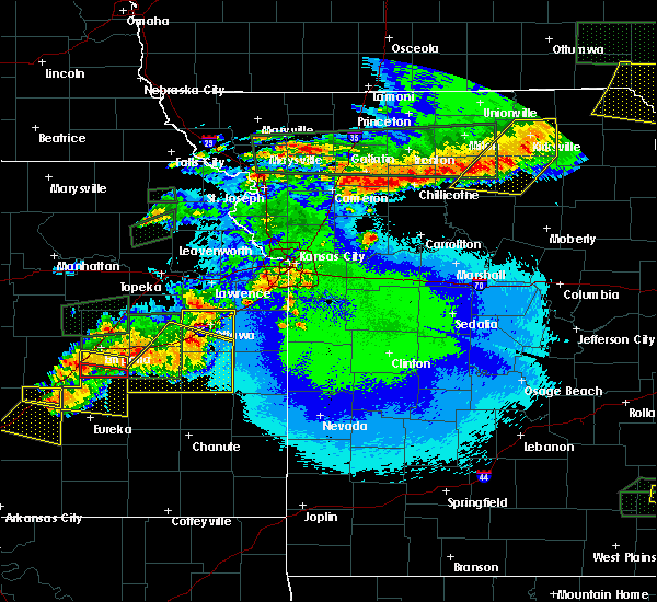 Radar Image for Severe Thunderstorms near Hamilton, MO at 5/14/2020 11:12 PM CDT