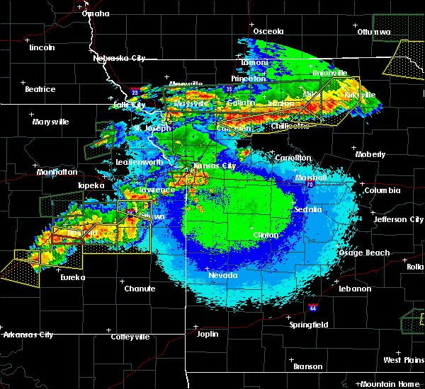 Radar Image for Severe Thunderstorms near Ottawa, KS at 5/14/2020 11:15 PM CDT