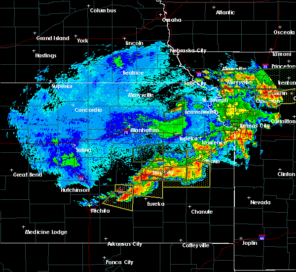 Radar Image for Severe Thunderstorms near Hamilton, KS at 5/14/2020 11:21 PM CDT