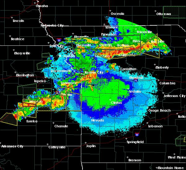 Radar Image for Severe Thunderstorms near Ottawa, KS at 5/14/2020 11:28 PM CDT