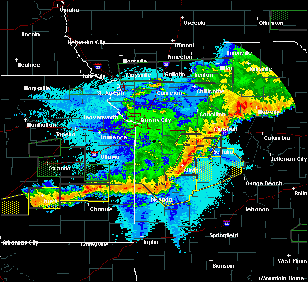 Radar Image for Severe Thunderstorms near Versailles, MO at 5/15/2020 1:12 AM CDT