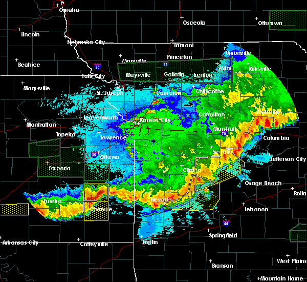 Radar Image for Severe Thunderstorms near Versailles, MO at 5/15/2020 2:02 AM CDT