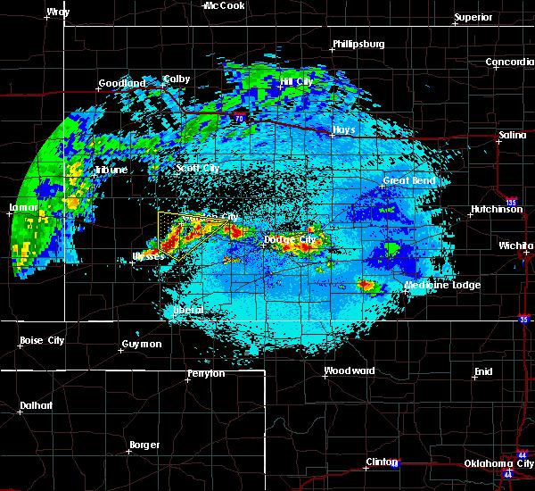 Radar Image for Severe Thunderstorms near Garden City, KS at 5/15/2020 2:25 AM CDT