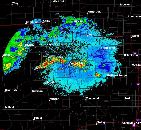 Radar Image for Severe Thunderstorms near Garden City, KS at 5/15/2020 2:35 AM CDT