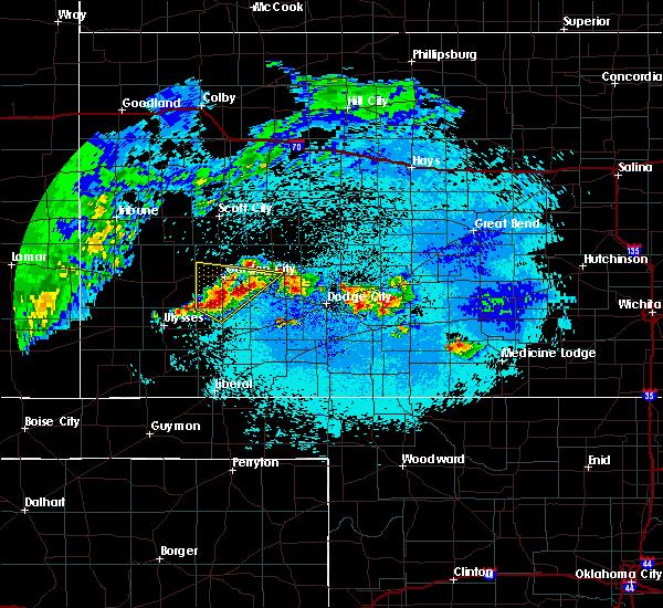 Radar Image for Severe Thunderstorms near Garden City, KS at 5/15/2020 2:39 AM CDT
