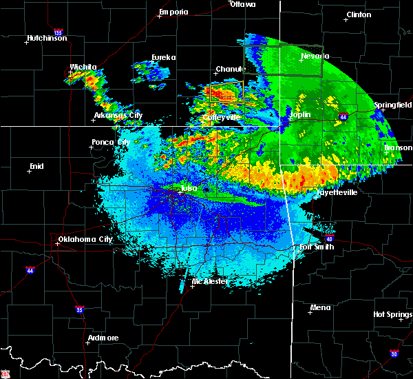 Radar Image for Severe Thunderstorms near St. Paul, KS at 5/15/2020 5:35 AM CDT