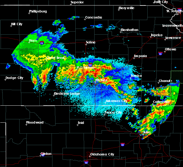 Radar Image for Severe Thunderstorms near Andover, KS at 5/15/2020 6:10 AM CDT