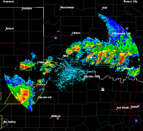 Radar Image for Severe Thunderstorms near Quanah, TX at 5/15/2020 5:02 PM CDT