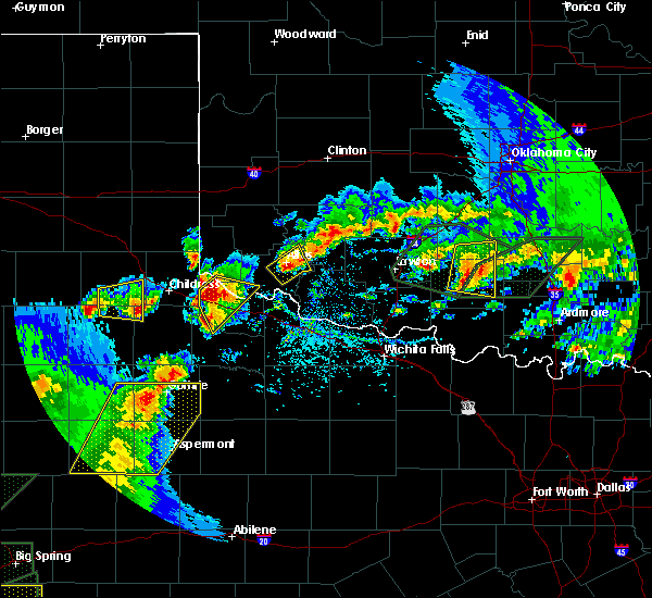 Radar Image for Severe Thunderstorms near Quanah, TX at 5/15/2020 5:38 PM CDT