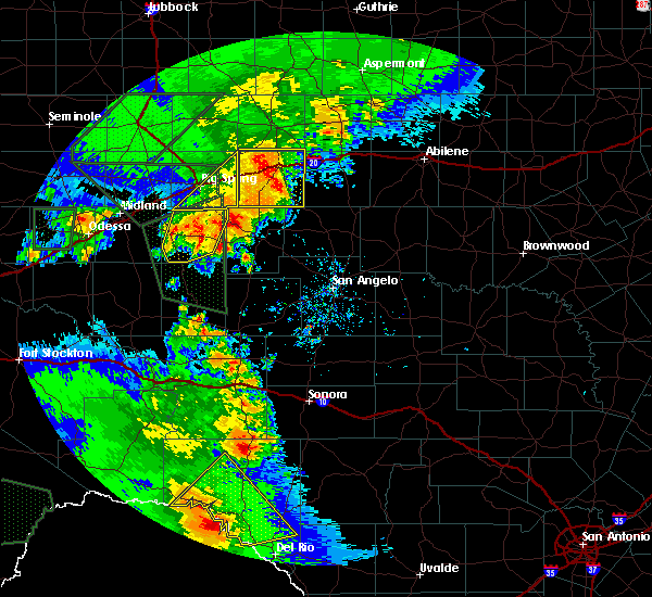 Radar Image for Severe Thunderstorms near Sterling City, TX at 5/15/2020 6:18 PM CDT