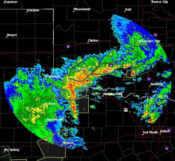 Radar Image for Severe Thunderstorms near Crowell, TX at 5/15/2020 7:25 PM CDT