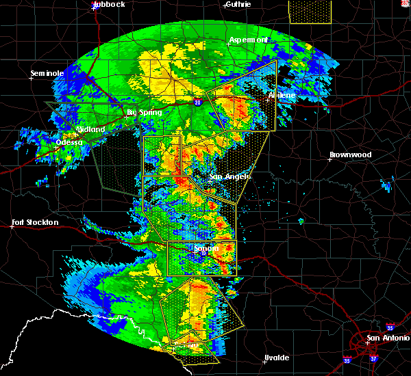 Radar Image for Severe Thunderstorms near Robert Lee, TX at 5/15/2020 7:37 PM CDT