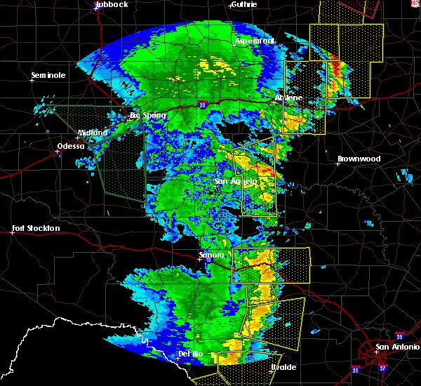 Radar Image for Severe Thunderstorms near Junction, TX at 5/15/2020 8:26 PM CDT