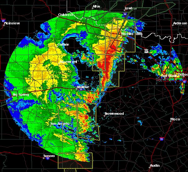 Radar Image for Severe Thunderstorms near Graham, TX at 5/15/2020 8:45 PM CDT