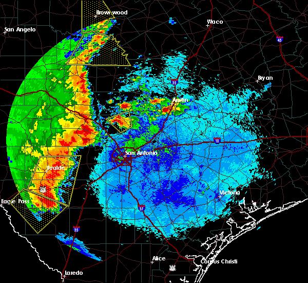 Radar Image for Severe Thunderstorms near Lake Medina Shores, TX at 5/15/2020 9:35 PM CDT