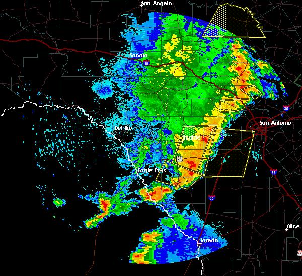 Radar Image for Severe Thunderstorms near San Antonio, TX at 5/15/2020 9:57 PM CDT