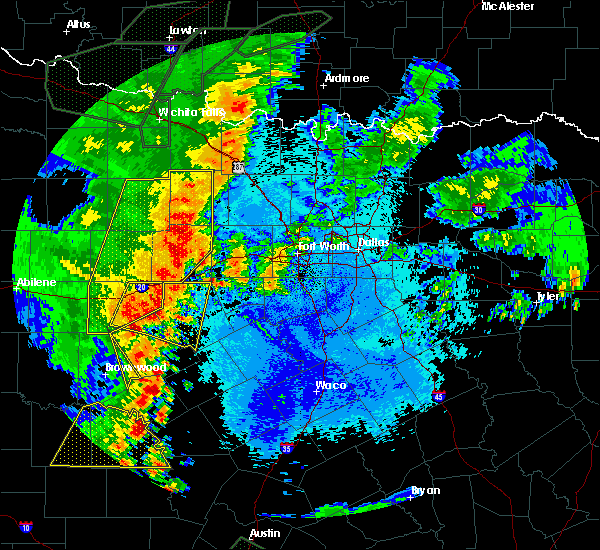 Radar Image for Severe Thunderstorms near Mineral Wells, TX at 5/15/2020 10:00 PM CDT