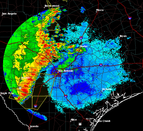 Radar Image for Severe Thunderstorms near Stonewall, TX at 5/15/2020 10:02 PM CDT
