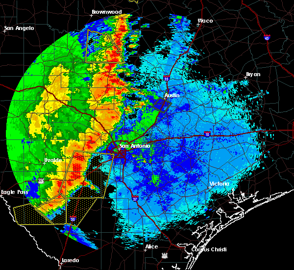 Radar Image for Severe Thunderstorms near Highland Haven, TX at 5/15/2020 10:34 PM CDT